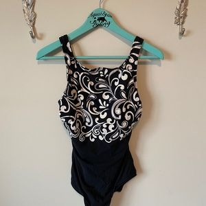 Reebok black and white one piece swimsuit 14